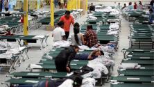 """""""El presidente va a crear una crisis humanitaria"""": alcalde de Broward sobre plan de enviar migrantes al sur de Florida"""