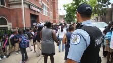 """""""No son cárceles"""": activista sobre la eliminación de policías de las Escuelas Públicas de Chicago"""