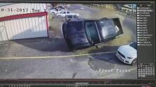 Video: Manejó drogado y se estrelló contra autos estacionados en Texas