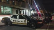 Autoridades ofrecen recompensa para capturar al hombre que presuntamente asesinó a su esposa y a una de sus hijas