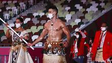 Quién es el atleta de torso desnudo que (de nuevo) se roba el show en los Juegos Olímpicos