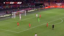 ¡GOL!  anota para Holanda. Guus Til