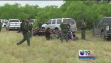 Familias podrían ser separadas al ser detenidas cruzando la frontera
