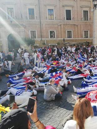 Cuba protesta vaticano/FCfIlrvXMAMybw3.jpeg