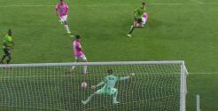 ¡Ustari salva milagroso con el pie! Pedro Garay se pierde el gol