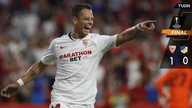 De la mano de Chicharito, Sevilla camina en Europa League