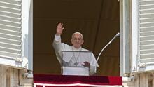 """El papa Francisco llama al """"diálogo"""" al pueblo cubano y dice que está """"cerca"""" en estos """"momentos difíciles"""""""