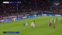 ¡Qué tranquilidad! Lewandowski pone el 1-0 sobre Dynamo de Kiev