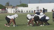 Las medidas que están tomando las escuelas en Los Ángeles para que los jóvenes puedan volver a practicar deportes
