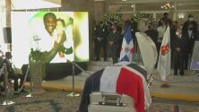 Bandera de República Dominicana y una solemne ceremonia: homenajes en funeral de Johnny Ventura
