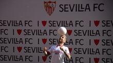 'Papu' Gómez fue presentado con el Sevilla