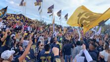 El público de Pumas da apoyo espectacular al equipo... pero sin medidas de salubridad