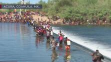 Crisis en la frontera: miles de inmigrantes esperan en el puente fronterizo de Texas