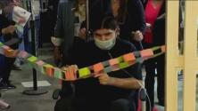 """""""Tuve cirugías en la cabeza"""": hombre sale del hospital tras ocho meses internado por covid-19"""