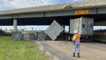 Cierran carril de acceso a la 45 en el condado Galveston tras accidente de tráiler