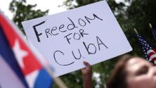 """""""Los corazones de los cubanos están gritando por derechos"""": exalcalde de Downey sobre protestas en la isla"""
