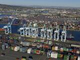 La Guardia Nacional podría ser desplegada para ayudar en el puerto de Los Ángeles y Long Beach