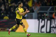 DORTMUND, GERMANY - JANUARY 26: Achraf Hakimi of Dortmund celebrates his goal for the 1-0 lead during the Bundesliga match between Borussia Dortmund and Hannover 96 at the Signal Iduna Park on January 26, 2019 in Dortmund, Germany. (Photo by Jörg Schüler/Getty Images)