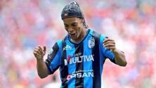Ronaldinho: el hombre que hizo ver su suerte a Chivas y América