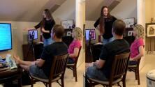 (VIDEO) Joven confiesa a sus padres que es 'stripper' con una presentación de PowerPoint y esta es su reacción