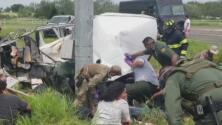 Escena trágica en Texas: aparatoso accidente deja al menos 10 inmigrantes fallecidos y más de una docena de heridos