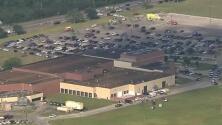 Policía de Texas responde a un tiroteo en una escuela secundaria en el sureste de Houston