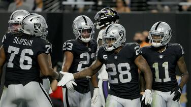 Los Raiders vencieron a los Ravens en un partido de alarido