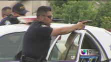 Hombre armado causa terror en un centro comercial de Elk Grove