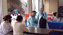 Habilitan un nuevo centro móvil de vacunación contra el coronavirus en la Pequeña Habana