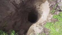 Otro agujero: así es el profundo socavón que tiene atemorizados a una comunidad en México