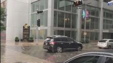 En video: Inundaciones y algunos inconvenientes en el centro de Houston por los aguaceros