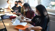 ¿Distritos escolares en el sureste de Texas incorporarán la recomendación de los CDC sobre el uso de mascarilla?