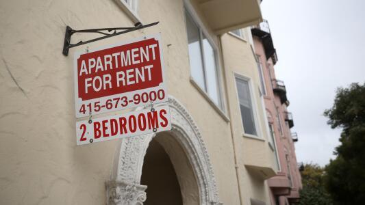 Concilio de Santa Ana vota a favor de establecer un control de rentas y de aumentar protecciones contra desalojos