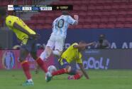 ¡No lo agarra nadie! Messi se come la cancha y el tercero lo derriba