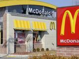 Un McDonald's no consigue empleados y ofrece trabajo a menores de edad