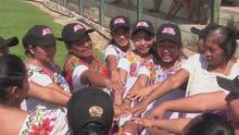 Sus rivales son el machismo y la discriminación: Conoce al equipo femenino de sóftbol 'Amazonas de Yaxunah'