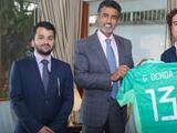 Embajador de Qatar recibe a Memo Ochoa previo a Concachampions