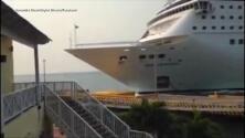 El momento en el que un crucero choca contra un muelle