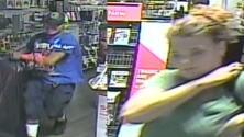 Buscan a sospechosos de robar una tienda de video juegos en Dallas