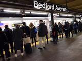 MTA mantiene los baños públicos cerrados desde hace más de un año por la pandemia