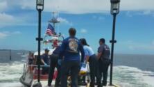 Dos mujeres resultaron afectadas por aparente escape de gases en un bote en la Bahía de Biscayne