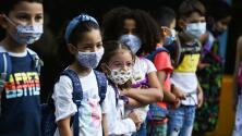 Gobernador de Florida da libertad a los padres de decidir si sus hijos deben usar o no mascarillas en las escuelas