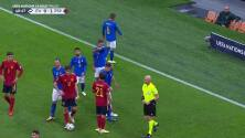 ¡Tarjeta Roja! Leonardo Bonucci recibe la segunda amarilla y se va del juego.