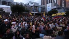 Opositores ecuatorianos bloquean calles de Quito en rechazo a los resultados de la jornada electoral del domingo