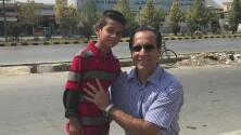 """""""Vio lo que ningún niño debe experimentar"""": hombre adopta a pequeño de 10 años tras lograr sacarlo de Afganistán"""