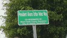 Calle en Hialeah es nombrada Álvaro Uribe Vélez en honor al expresidente colombiano