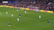¡GOL!  anota para Chelsea. Romelu Lukaku