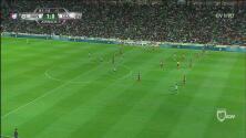 ¡Fuera de lugar! Se salvó Chivas del segundo gol