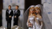 Corte Suprema no anula ley estatal que prohíbe a negocios negarse a atender matrimonios homosexuales