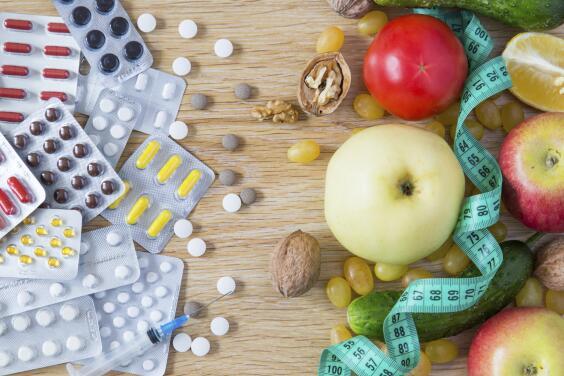 Las 13 vitaminas esenciales y cómo te mantienen saludable